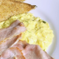 Scrambled eggs 'James Bond'